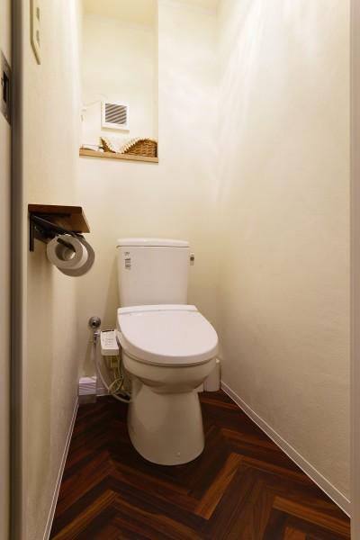 トイレ (川崎市N様邸 ~木の香りに包まれて~)