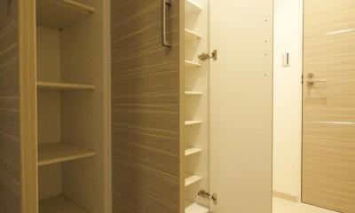 タイルで高級感ある玄関・廊下に (玄関収納)