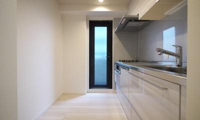 キッチン|タイルで高級感ある玄関・廊下に