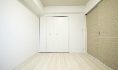 タイルで高級感ある玄関・廊下に (洋室3)