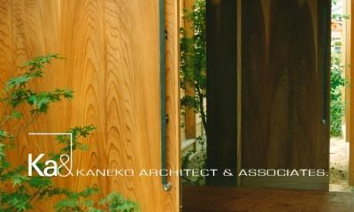 岩室の家 地元の加工技術で作る家 (玄関たたき)
