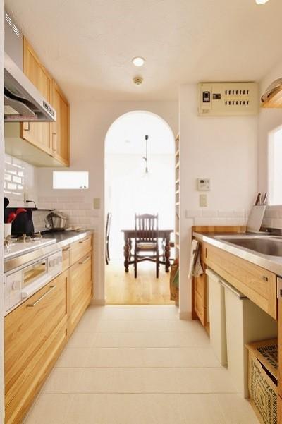 キッチン (東京都国立市K様邸 ~漆喰で育つ感性~)