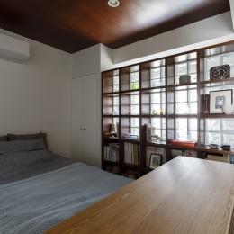 Romanesco-好きで集めたものを眺める、アーリーリタイアの暮らし (ベッドルーム)