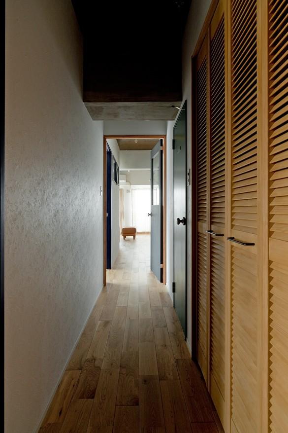 裸足が心地よい床 (廊下)