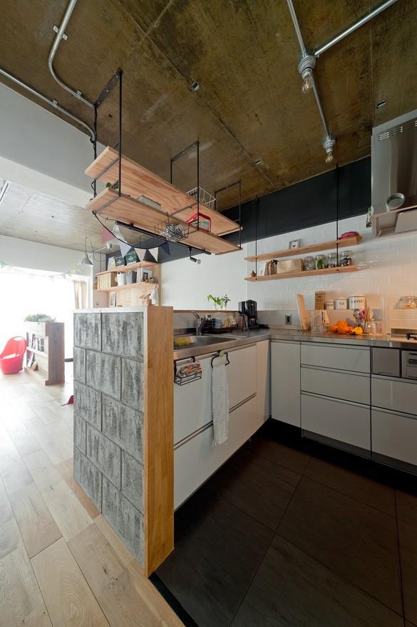 キッチン事例:キッチン(裸足が心地よい床)