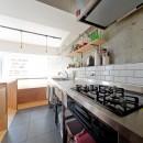 ステンシル文字をちりばめての写真 キッチン