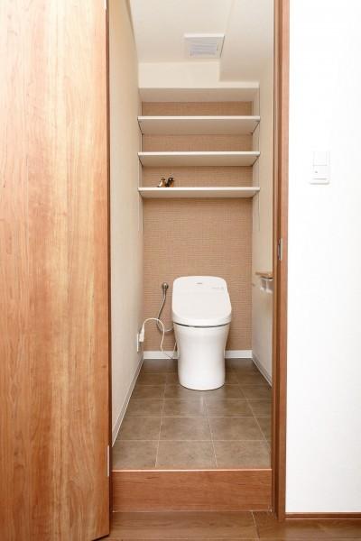 トイレ (「男前スタイル」で素材感を楽しむインダストリアルヴィンテージ)