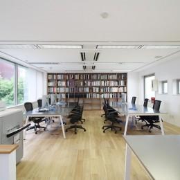 居心地の良いオフィス空間でクリエイティブな発想を。