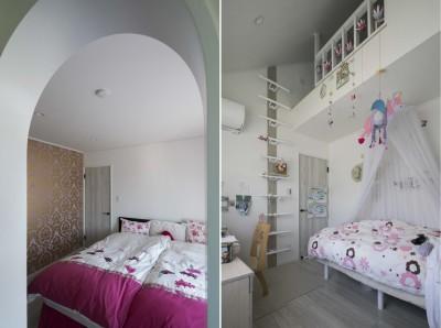 港南台の家|ロフトまでの吹き抜けのあるシャビーシックな家 (子供室)