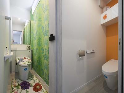 港南台の家|ロフトまでの吹き抜けのあるシャビーシックな家 (トイレ)