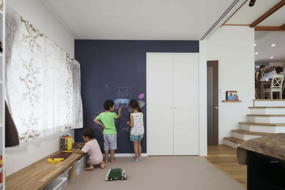 浜田山の家|スタイリッシュなNYスタイルの空気が漂う大階段のリノベーション (キッズスペース)