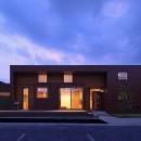甲斐元町の家~遊び心のある家~の写真 外観(夕景)