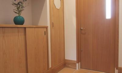 平屋の住まい~自分スタイルの家~ (玄関)