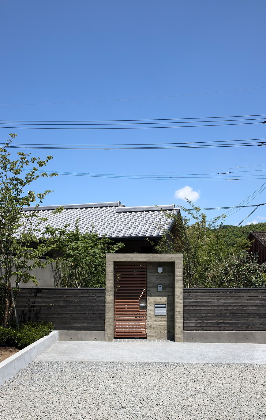 門 (山隈の家)