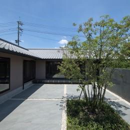 山隈の家 (中庭)