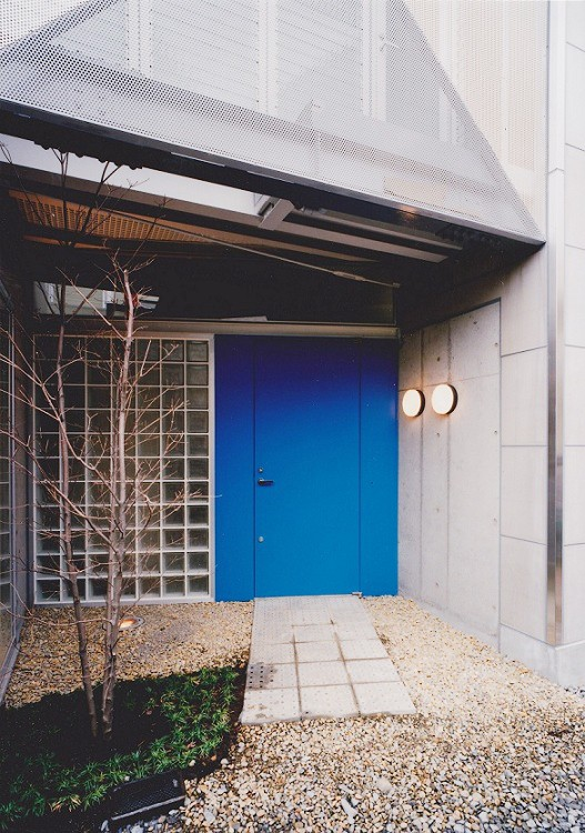 光と風が流れる家 O HOUSE (住宅入口)