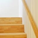 松庵の家 樹々と共生する家の写真 階段