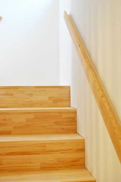 階段 (松庵の家 樹々と共生する家)