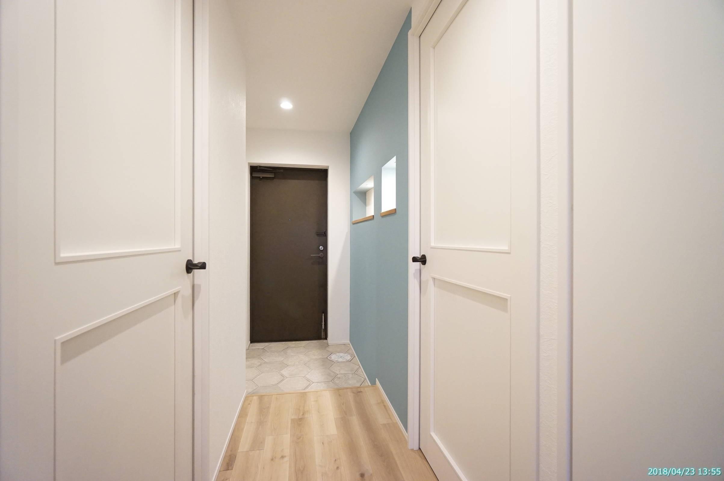 玄関事例:玄関(『キッチンを中心に』)