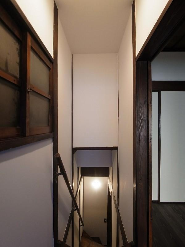 築60年 下町町屋の耐震改修 (2階 階段室)