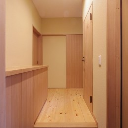 築70年 和モダン耐震改修住宅 (玄関)