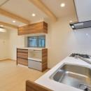 当社自慢の腕利き大工さんによる手作り階段&全面リフォームの写真 キッチン