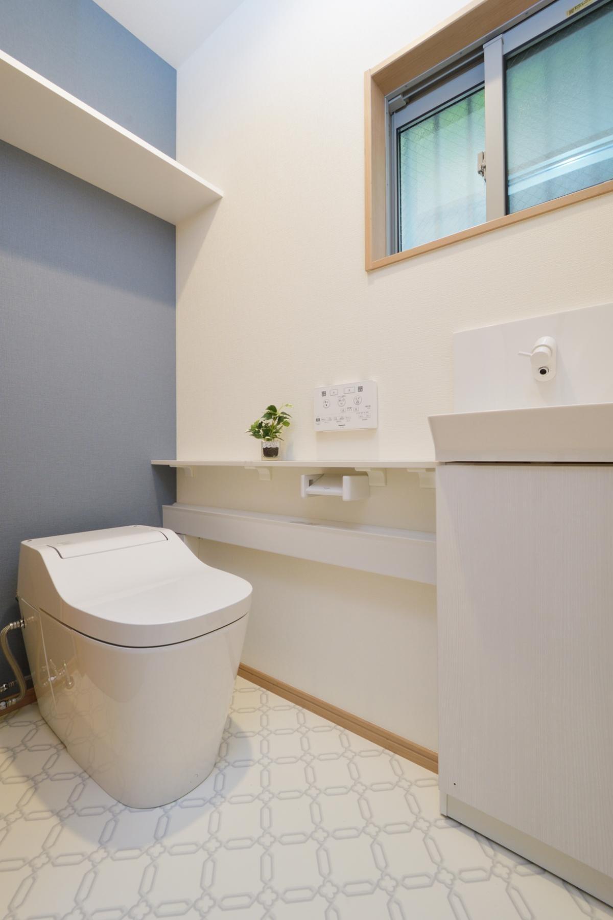 バス/トイレ事例:トイレ(当社自慢の腕利き大工さんによる手作り階段&全面リフォーム)