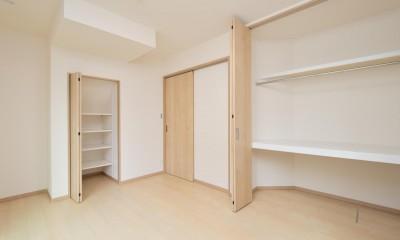 当社自慢の腕利き大工さんによる手作り階段&全面リフォーム (洋室)