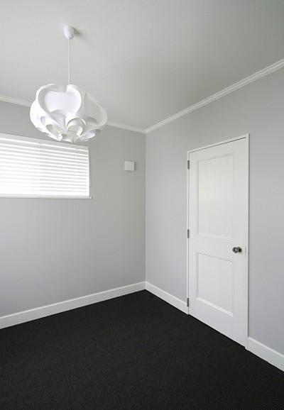 サイザル床の色が部屋を引きしめる (M邸)