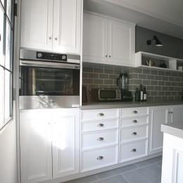 ビルトインオーブンと作業スペース (O邸)