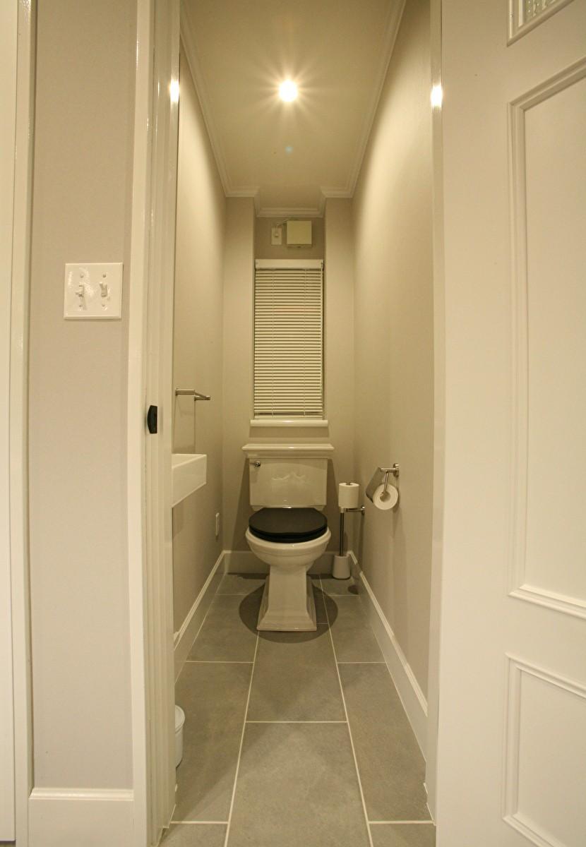 O邸 (シンプルでシックなトイレ)