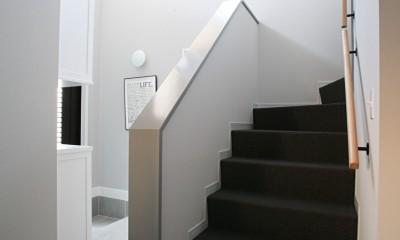 O邸 (開放的な玄関スペース)