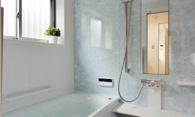 納屋を快適な住まいへ~ハートのタイルや素材にこだわりのある家~ (浴室)