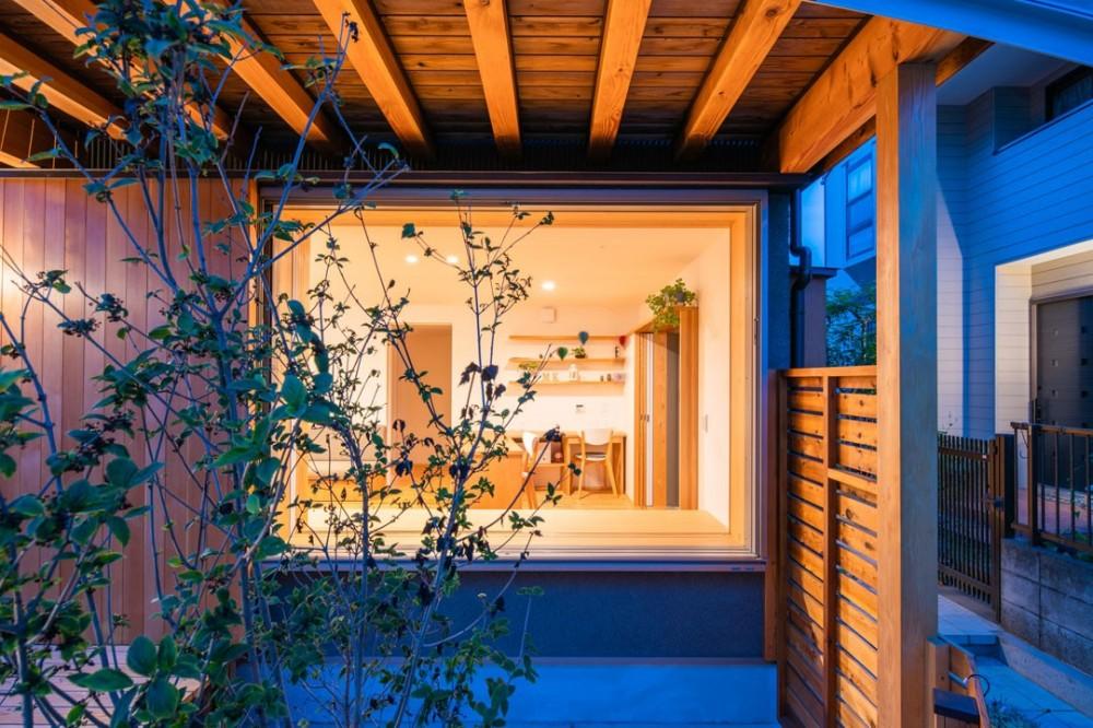 椿山の家 (夕景 外観)