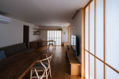 リビング スタディスペース (椿山の家 -つながりのある家-)