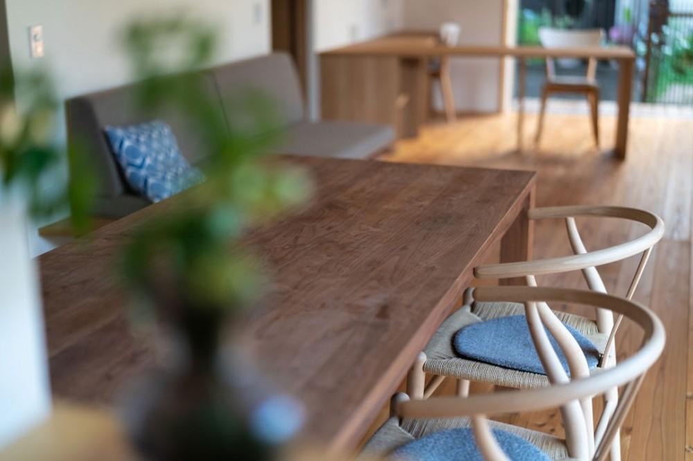 椿山の家 (ダイニングテーブル)