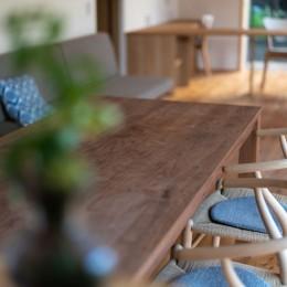 椿山の家 -つながりのある家- (ダイニングテーブル)