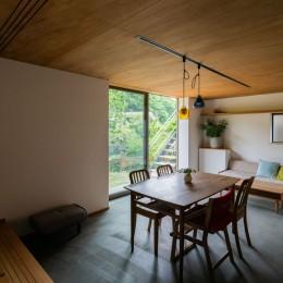 土間から四季を、呼吸する家 -土間の暮らしと小屋のある家-