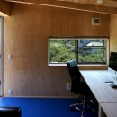 土間から四季を、呼吸する家の写真 小屋 仕事スペース