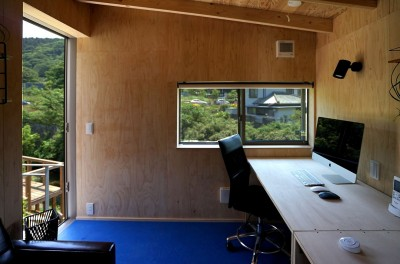 小屋 仕事スペース (土間から四季を、呼吸する家)
