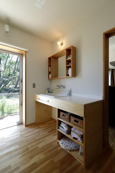 洗面脱衣室 (奥ゆかしさと温もりのある家~家事らくで暮らしやすい和モダンの家~)