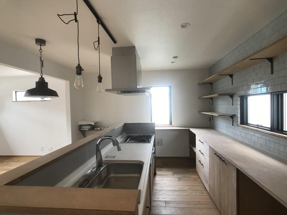 長く住むことを考えた38坪のハコ(Haco) (キッチン)