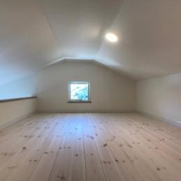 2階LDKだからこそ!明るく開放的な空間の家 (ロフト)