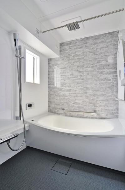 浴室 (ホワイトスタジオ~ペットと趣味に優しいおうち~)