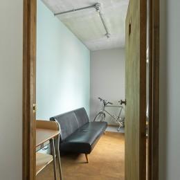 無機質ながらも温かいシンプルヴィンテージ空間 (個室)