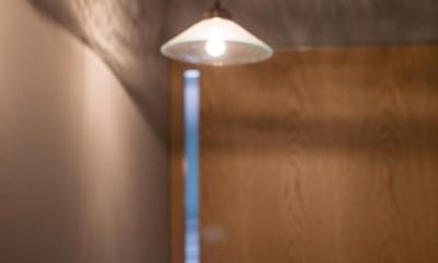 round and round~レイアウト、素材、色彩、照明。それぞれの組み合わせを吟味し、住まい手の想いを凝縮した唯一無二の住まい~ (照明)