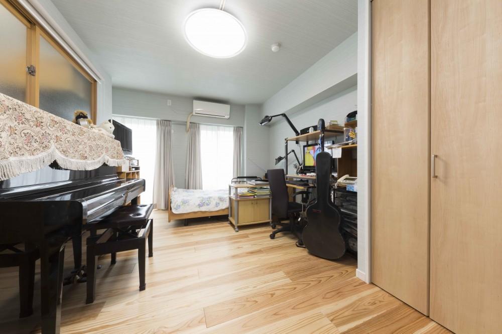 快適とゆとり追求。サンルームのあるセカンドライフリノベーション (趣味の楽器も満喫できるご主人のお部屋)