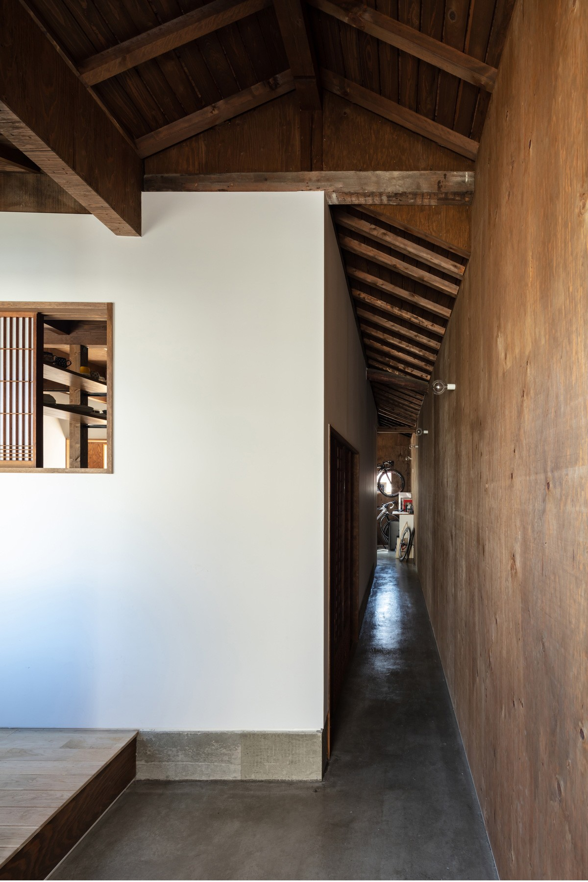 玄関事例:透き間の家|入れ子状の町屋のリノベーション(透き間の家|土間と縁側で包む町屋リノベーション【奈良市】)
