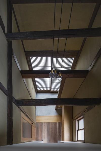 透き間の家|入れ子状の町屋のリノベーション (佐保路の家|奈良町家のリノベーション【奈良市】)