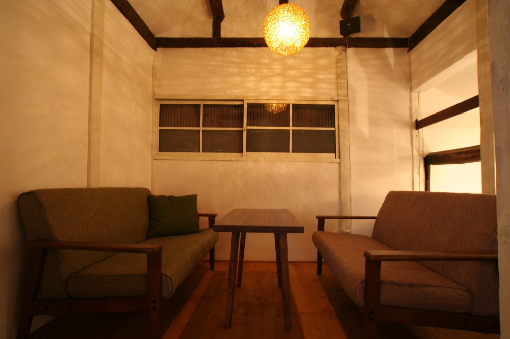 【茨木市 店舗】築80年の古民家を居心地良いカフェにリノベーション (カフェ 2階席)